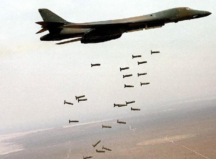 B-1B_Dropping_Bombs